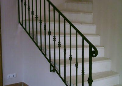 escalier boule forgée